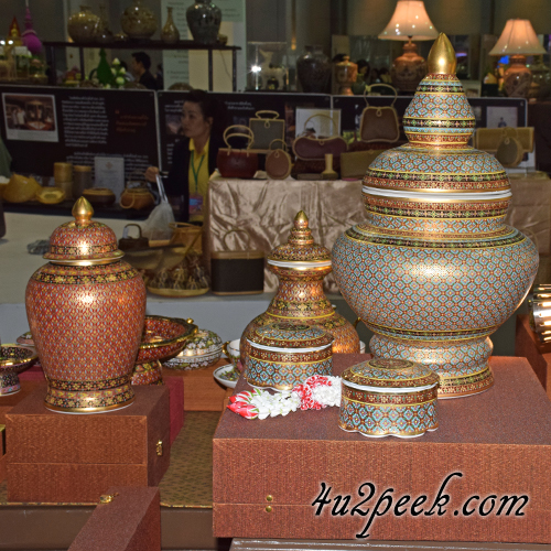 thai handicrafts shopping